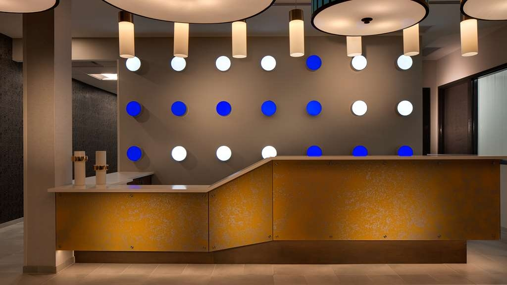 GLo Best Western Kanata Ottawa West - Looking for a modern experience? You'll experience that and much more at the GLō Best Western Kanata Ottawa West!