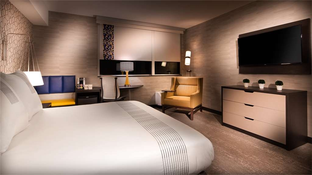 GLo Best Western Kanata Ottawa West - Our king mobility accessible rooms feature a roll in shower, signature desk chair, stylish bathroom amenities and gel-top mattress.