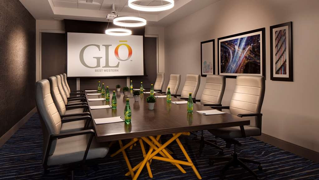 GLo Best Western Kanata Ottawa West - Need to schedule a meeting for business? We have space available for you and your clients.