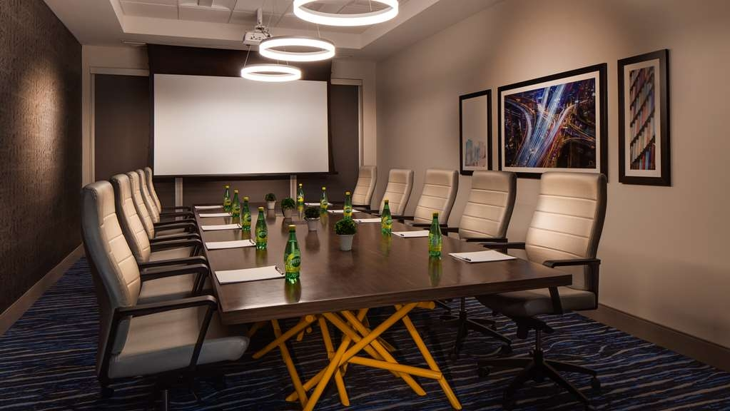 GLo Best Western Kanata Ottawa West - We can plan your next affair in our meeting room, call us today and inquire.
