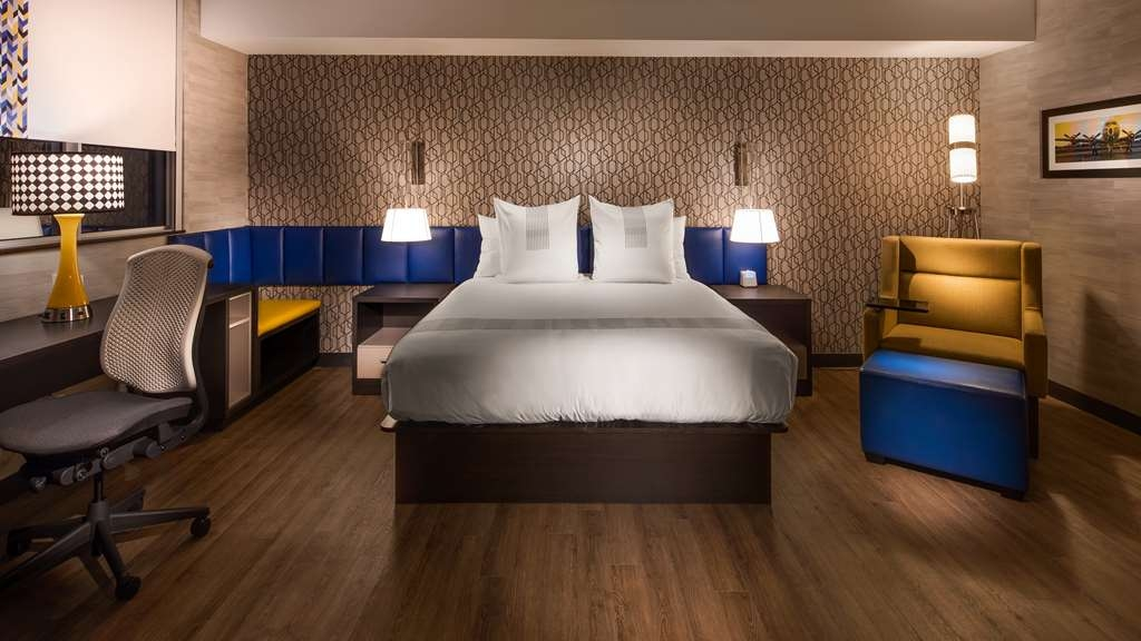 GLo Best Western Kanata Ottawa West - Your stay just got brighter! Make a reservation in any of our standard, suites or mobility accessible king room.