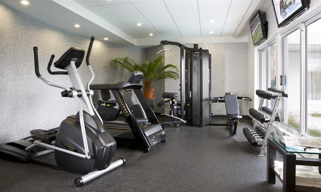 Best Western Premier Hotel Aristocrate - A fitness center is available to help you keep fit 24/7.
