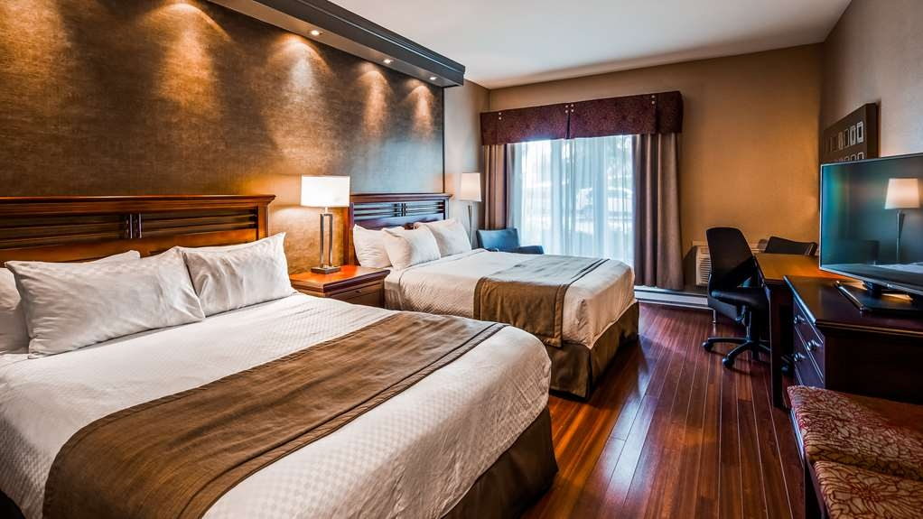 Best Western Premier Hotel Aristocrate - Have the perfect family trip at the Aquarium close by the hotel and unwind in our spacious rooms. Our 282 square feet Signature room with 2 queen size beds feature wooden floors.