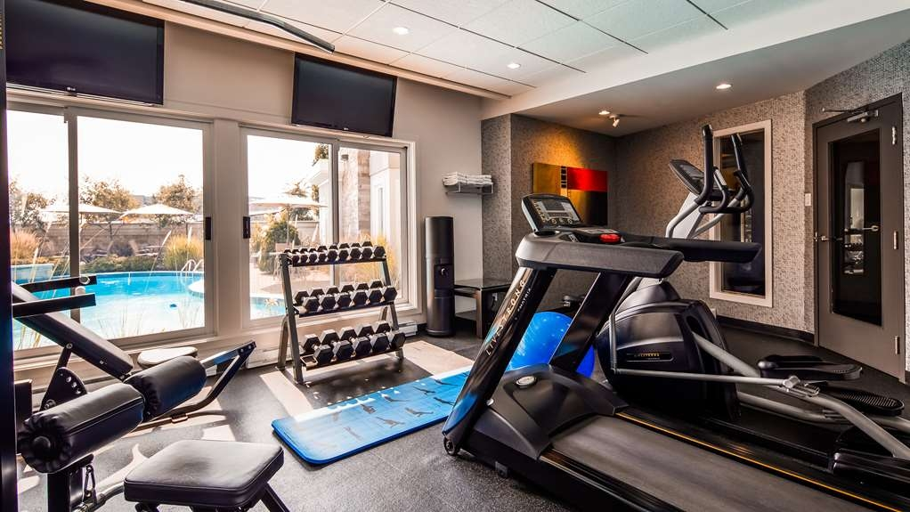 Best Western Premier Hotel Aristocrate - With a full range of training equipment, our gym is open 24 hours a day and will definitively fit your healthy lifestyle.