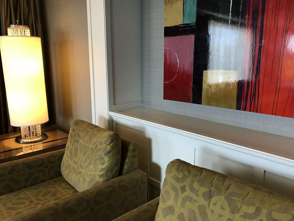 Best Western Premier Hotel Aristocrate - Quiet seating area offering natural lighting, free WIFI.