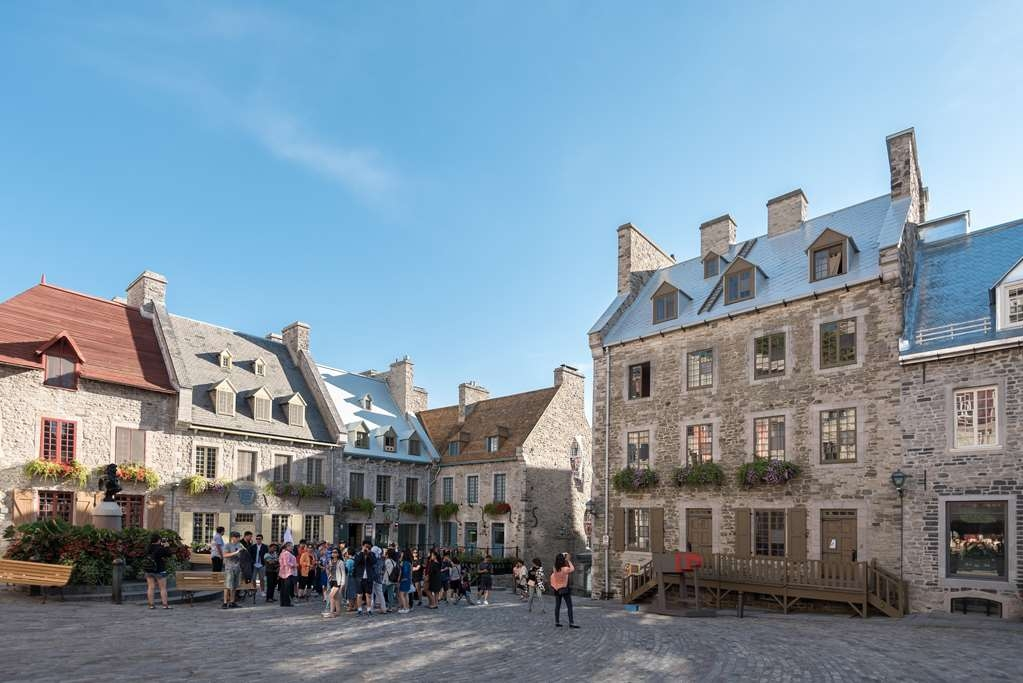 Best Western Premier Hotel Aristocrate - Enjoy our free shuttle during summertime and visit the Old Quebec city and Place Royale.