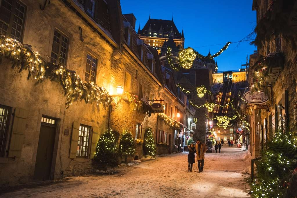 Best Western Premier Hotel Aristocrate - The charming Quartier Petit Champlain District during winter season.