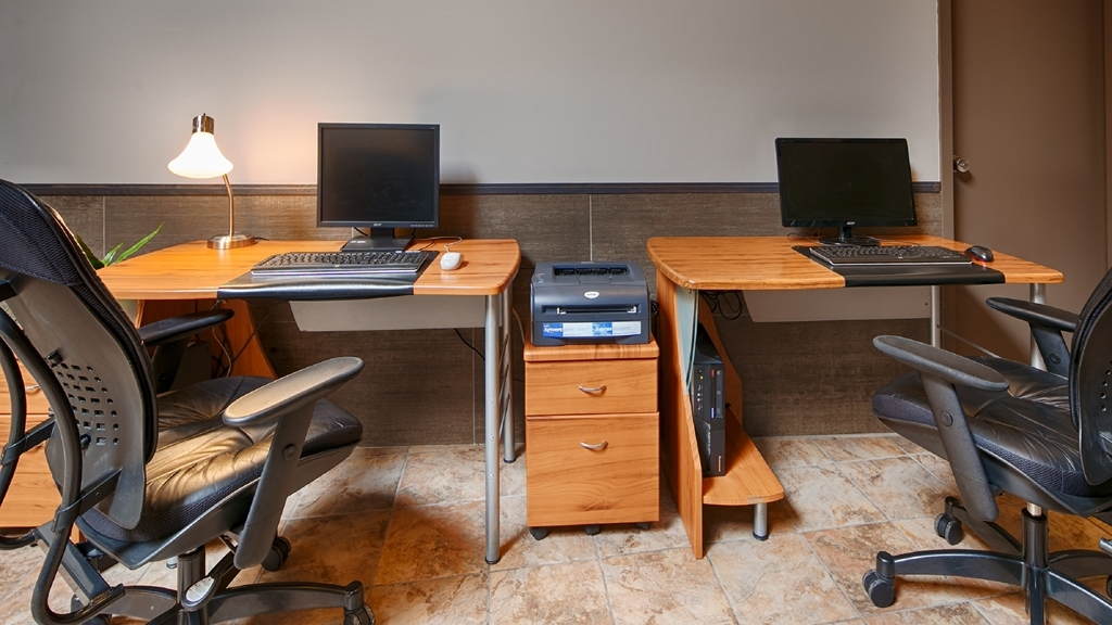 Best Western Hotel St. Jerome - Stay productive during your time away from home in our business center.