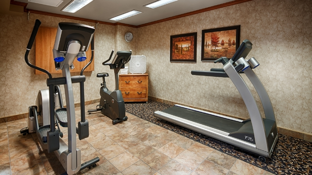 Best Western Hotel St. Jerome - Our fitness center is outfitted with everything you need for a great workout.