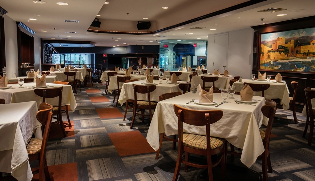 Best Western Ville-Marie Montreal Hotel & Suites - Enjoy delicious Italian cuisine at our on-site restaurant Le Parmigiano restaurant.