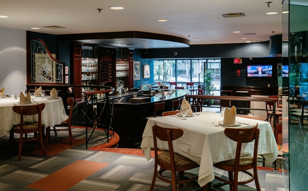 Best Western Ville-Marie Montreal Hotel & Suites - Enjoy our old and new favorite Italian and Continental cuisine prepared under the watchful eye of our chef.