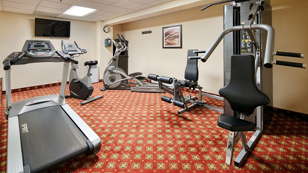 Best Western Plus Gatineau-Ottawa - There is a fitness center for your convenience, open 24 hours a day, featuring a treadmill, elliptical and a stationary bike.