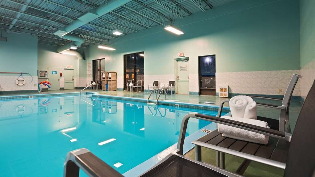 Best Western Plus Gatineau-Ottawa - Indoor Pool