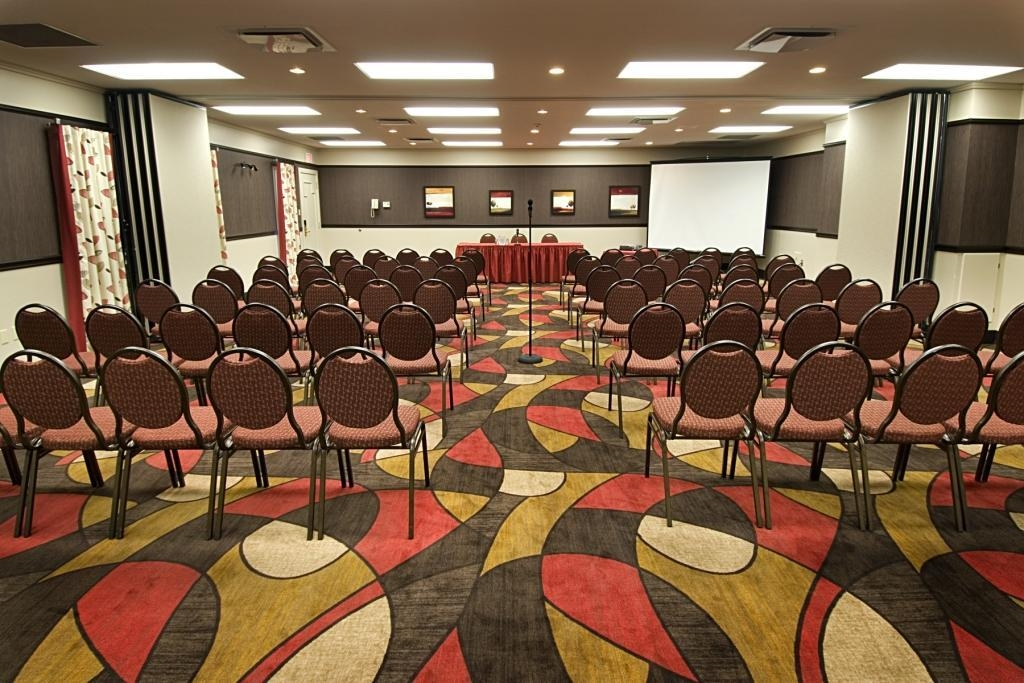 Best Western Hotel Universel Drummondville - Our Da Vinci Monet meeting room accommodates up to 80 guests and has complimentary wireless Internet for your convenience.