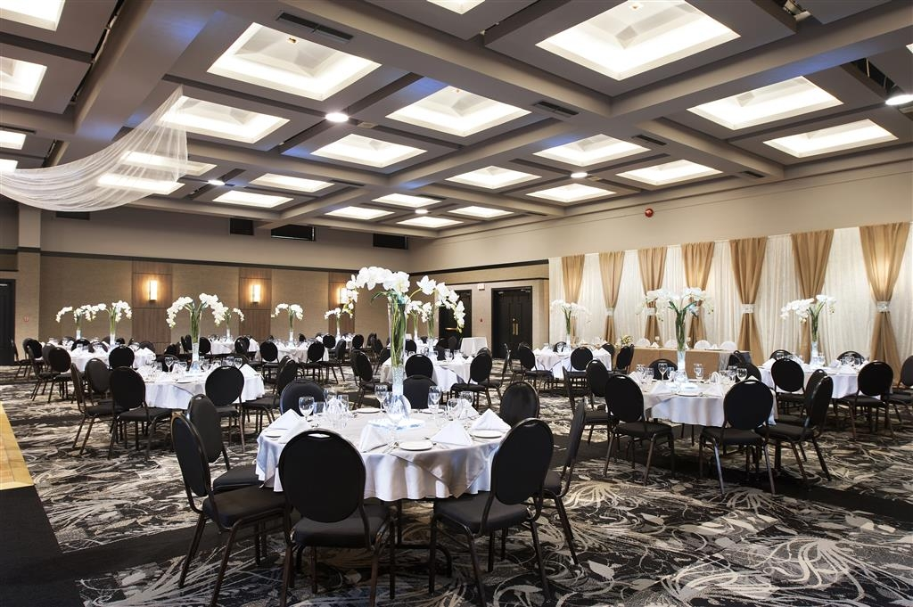 Best Western Hotel Universel Drummondville - Our location in Drummonville is the perfect choice for your next wedding date!