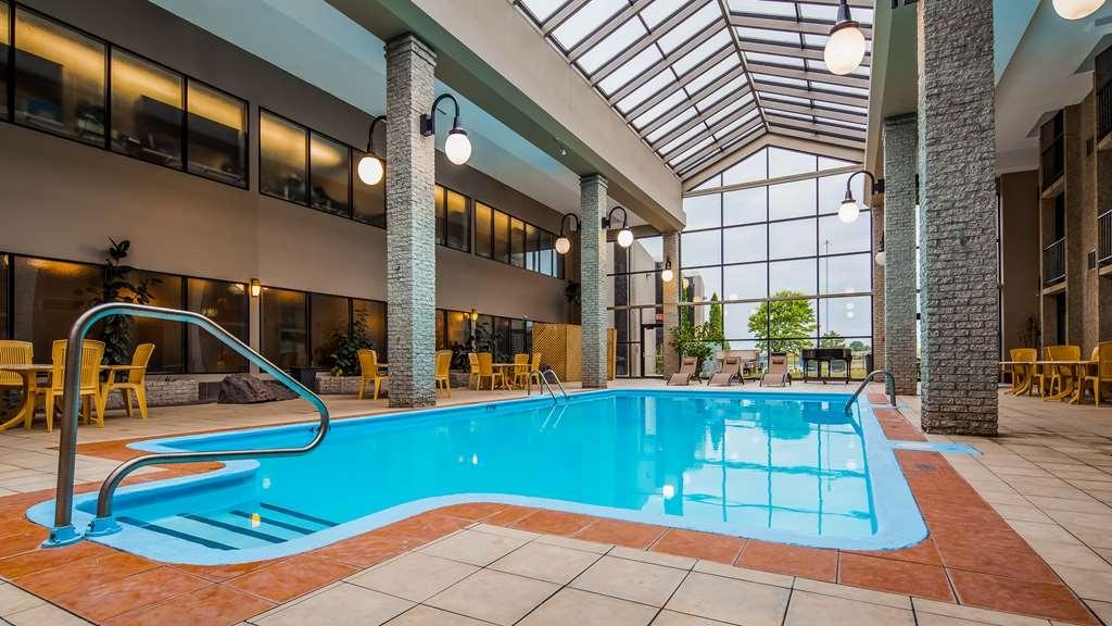 Best Western Hotel Universel Drummondville - Vue de la piscine