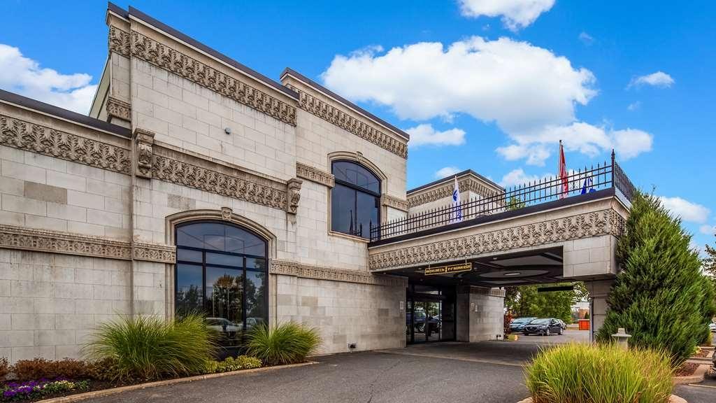 Best Western Hotel Universel Drummondville - Hotel Exterior