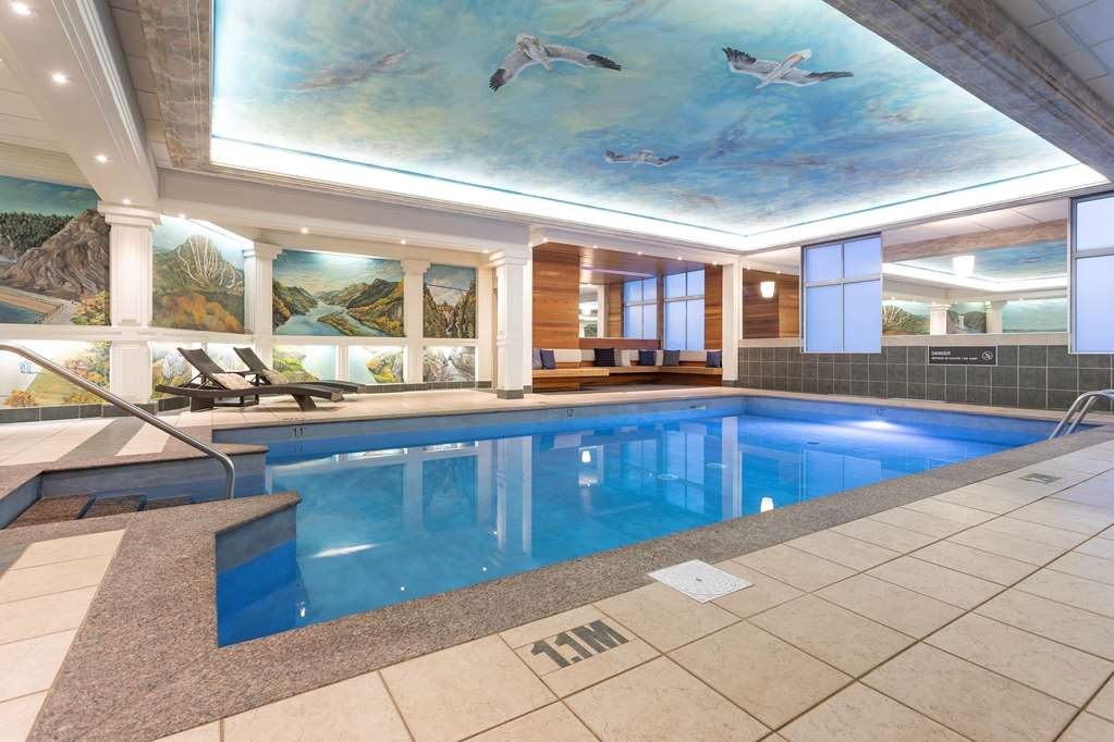 Best Western Plus City Centre/Centre-Ville - Piscina