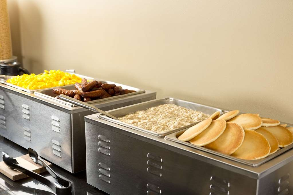 Best Western Laval-Montreal - Our delicious breakfast features gourmet coffee delicious pastries and fresh pancakes.