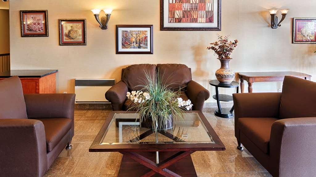 Best Western Laval-Montreal - We strive to exceed your every expectation starting from the moment you walk into our lobby.
