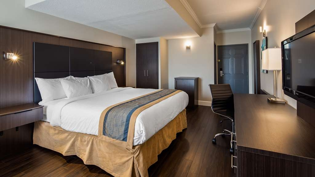 Best Western Laval-Montreal - King room