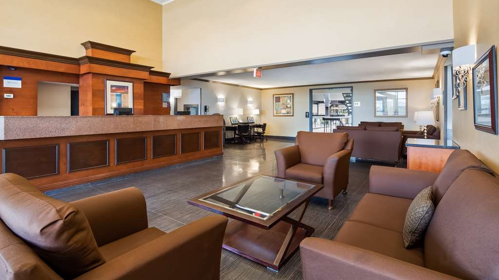 Best Western Laval-Montreal - Hotel Lobby