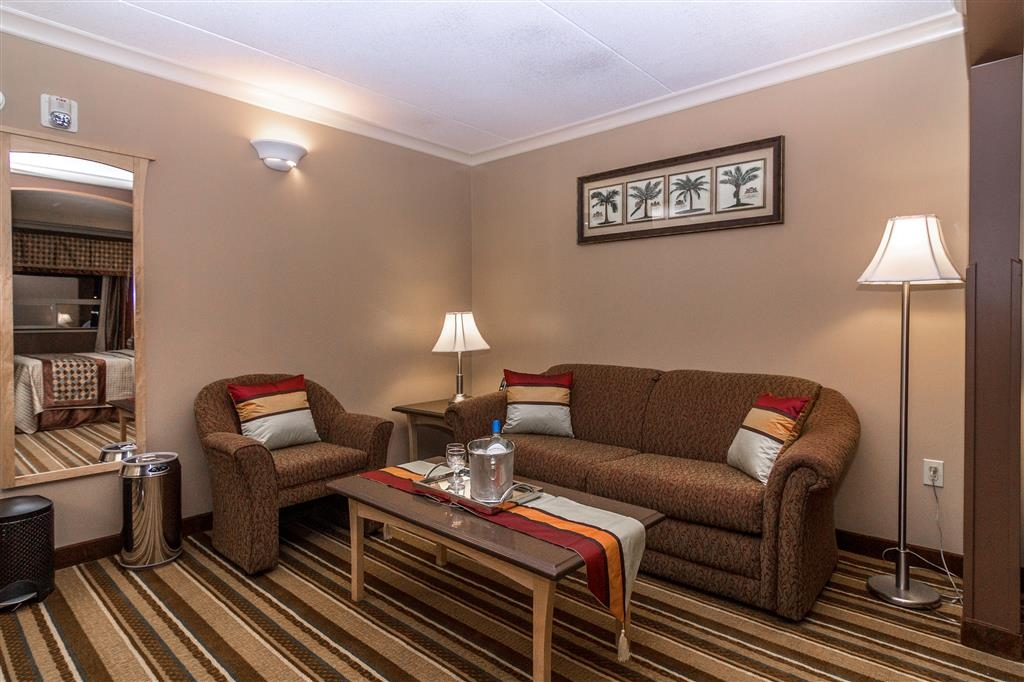 Best Western Marquis Inn & Suites - Bringing a friend? Book our convenient king bed with a sofa bed.