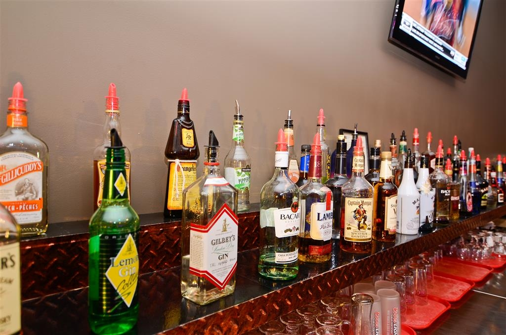 Best Western Marquis Inn & Suites - Bar