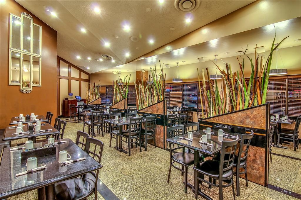 Best Western Marquis Inn & Suites - For exquisite cuisines and convenient location, dine in at our onsite restaurant Terrace Cafe.