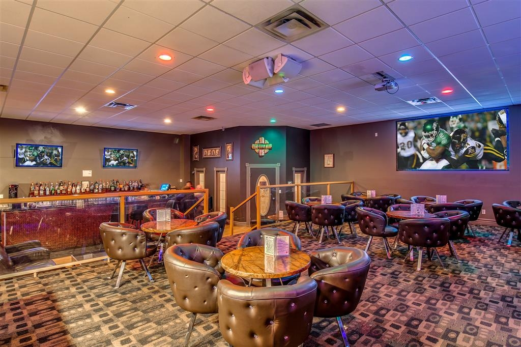 Best Western Marquis Inn & Suites - Bar / Lounge