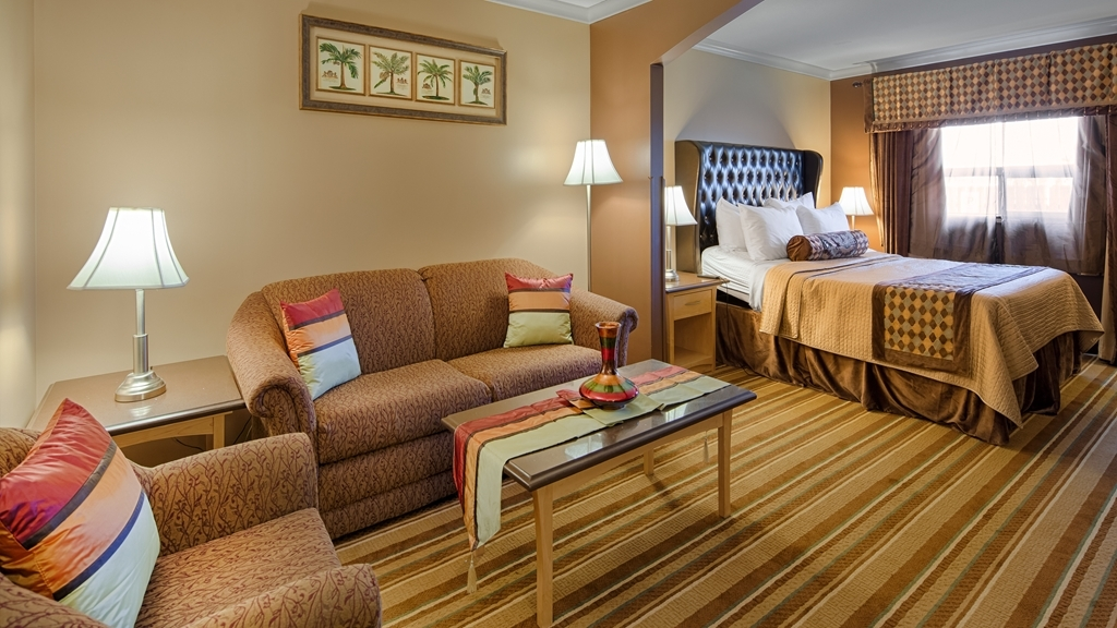 Best Western Marquis Inn & Suites - Live in true luxury when you book a King suite.
