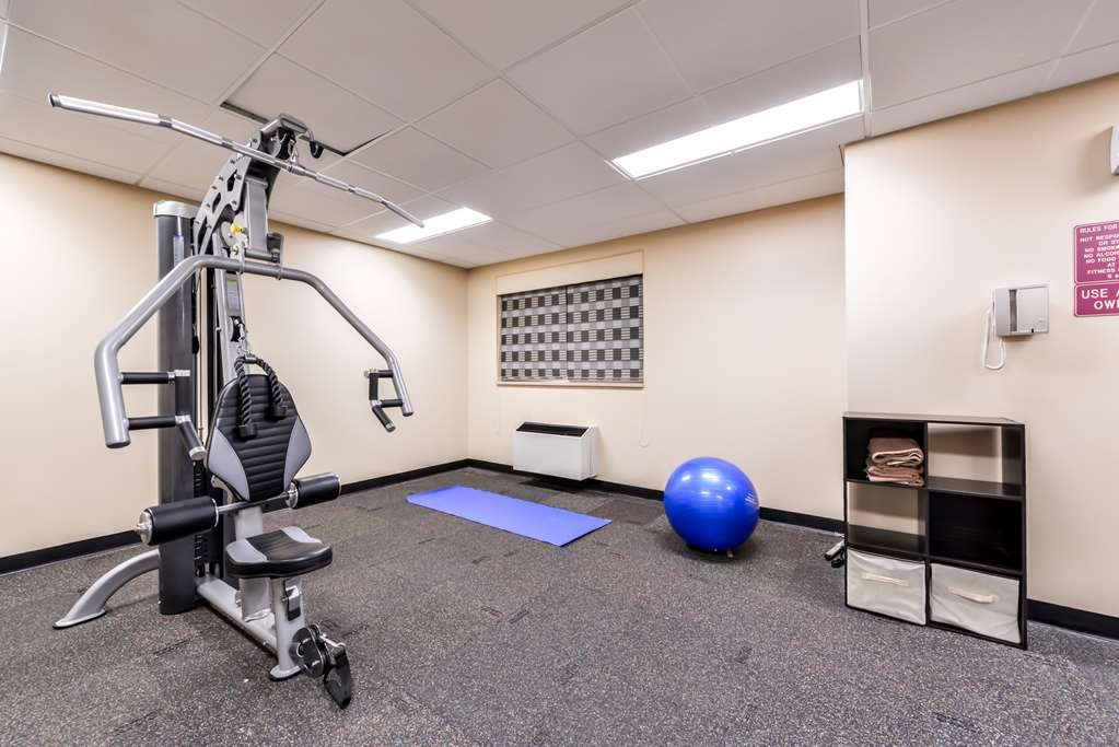Best Western Marquis Inn & Suites - Start your day off with a great workout in our fitness room.
