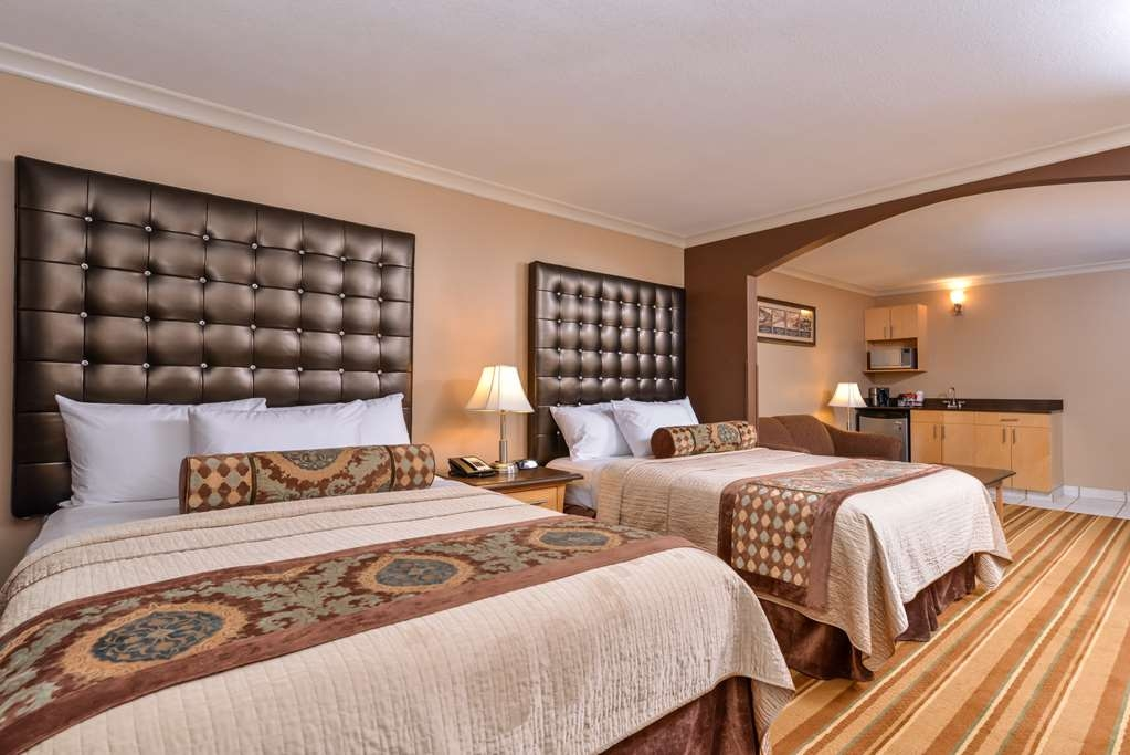 Best Western Marquis Inn & Suites - Use the sofa bed in our two queen suite for extra sleeping space without the cost of an additional room.