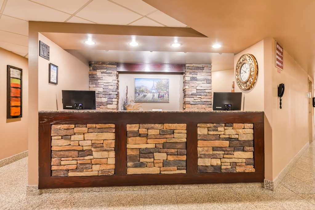 Best Western Marquis Inn & Suites - reception