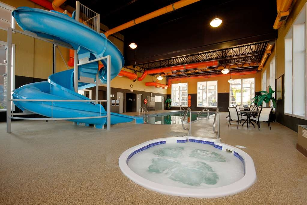 Best Western Blairmore - Vista de la piscina