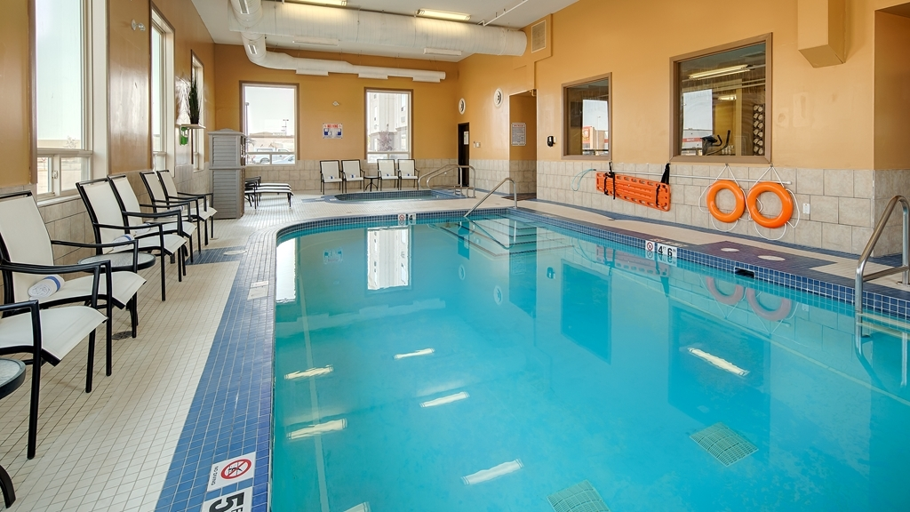 Best Western Plus Estevan Inn & Suites - piscina coperta