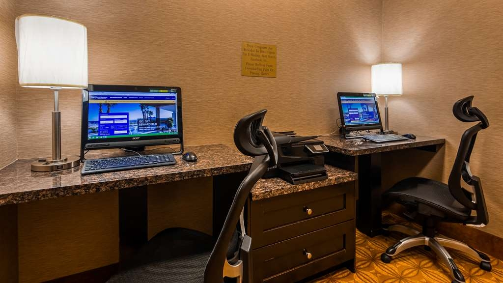 Best Western Plus Estevan Inn & Suites - affari-centro