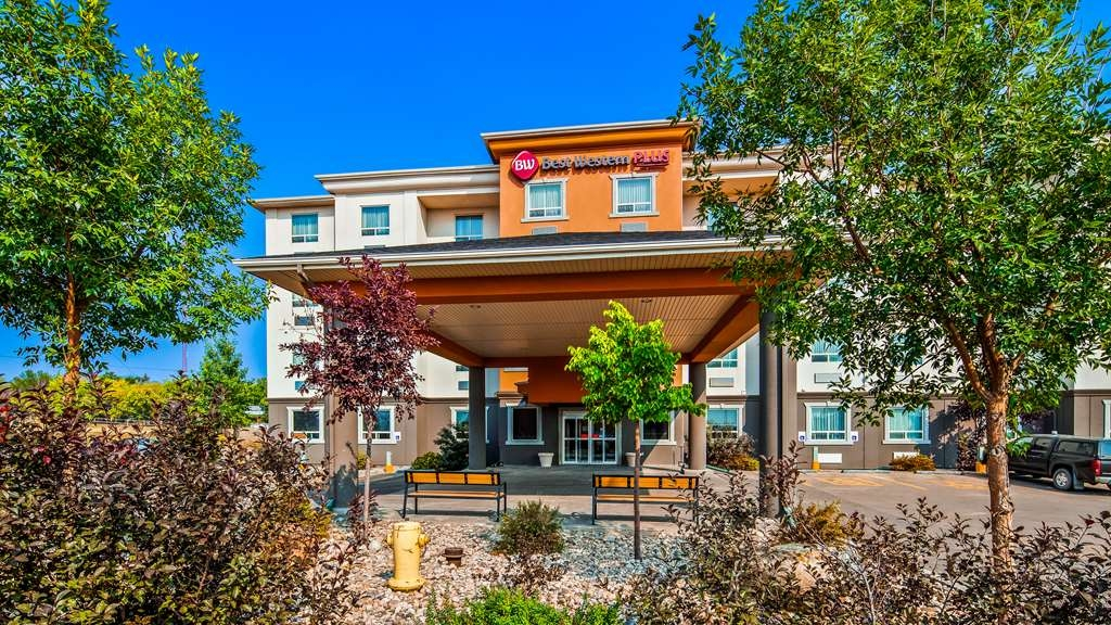 Best Western Plus Estevan Inn & Suites - Vista Exterior