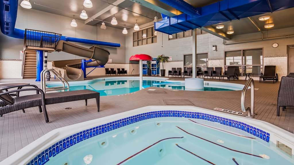 Best Western Plus Eastgate Inn & Suites - Piscina