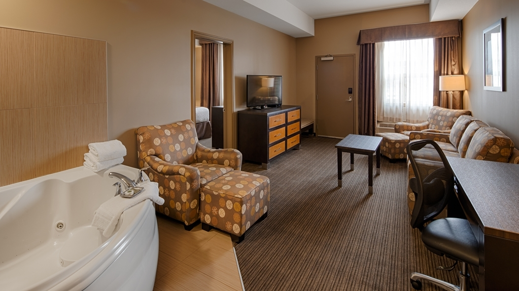Best Western Plus Moose Jaw - Make yourself at home in our whirlpool suite.