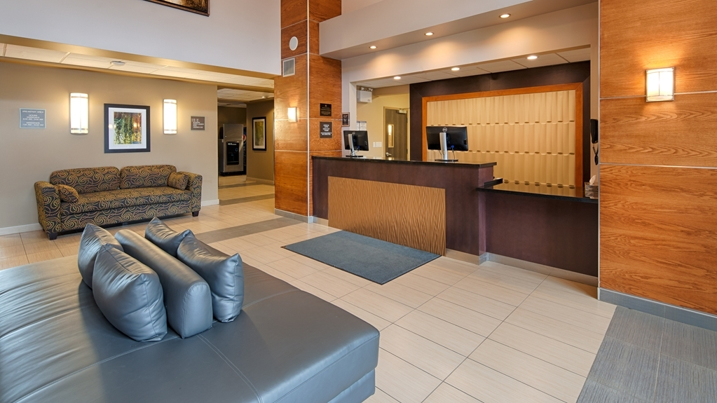 Best Western Plus Moose Jaw - Our lobby makes for a great place to meet up with friends and family.