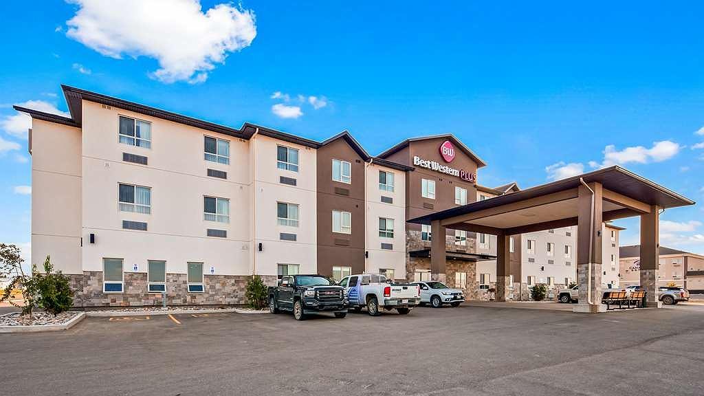 Best Western Plus Moosomin Hotel - Façade