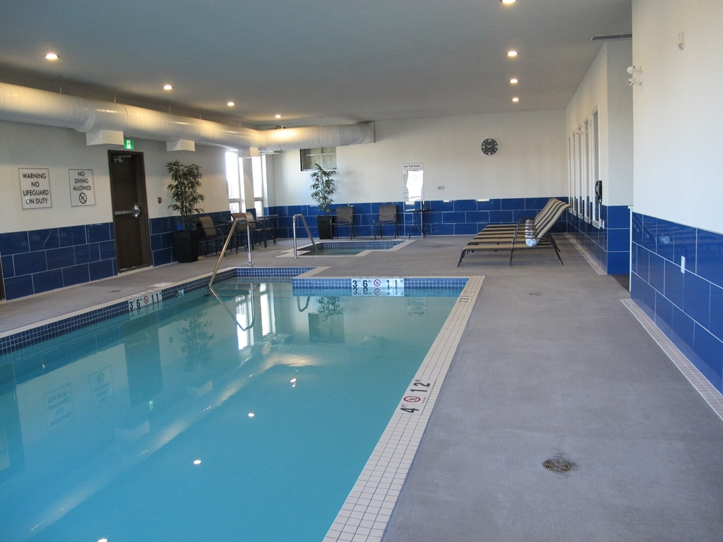 Best Western Plus Moosomin Hotel - piscina coperta
