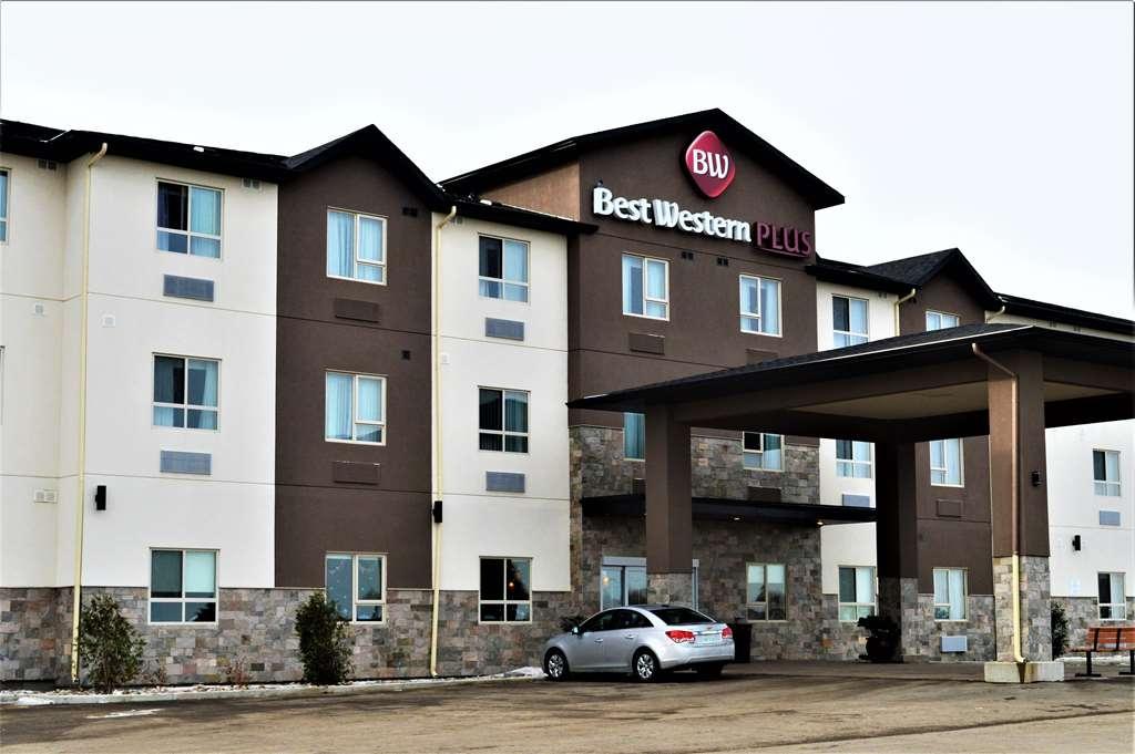 Best Western Plus Moosomin Hotel - Vista Exterior