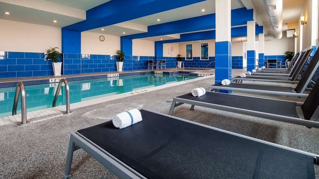 Best Western Plus Kindersley Hotel - Vue de la piscine