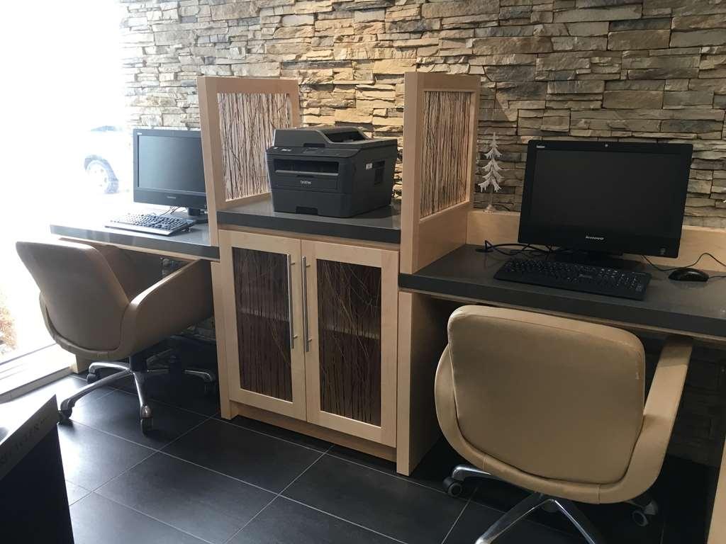 Best Western Plus Airport Inn & Suites - Business Center