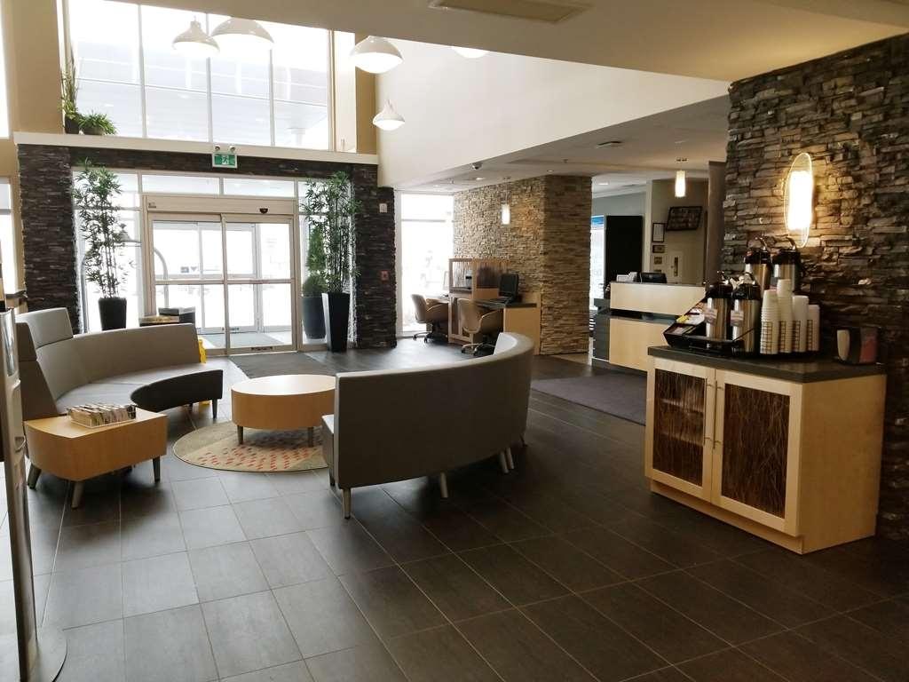 Best Western Plus Airport Inn & Suites - Vue du lobby