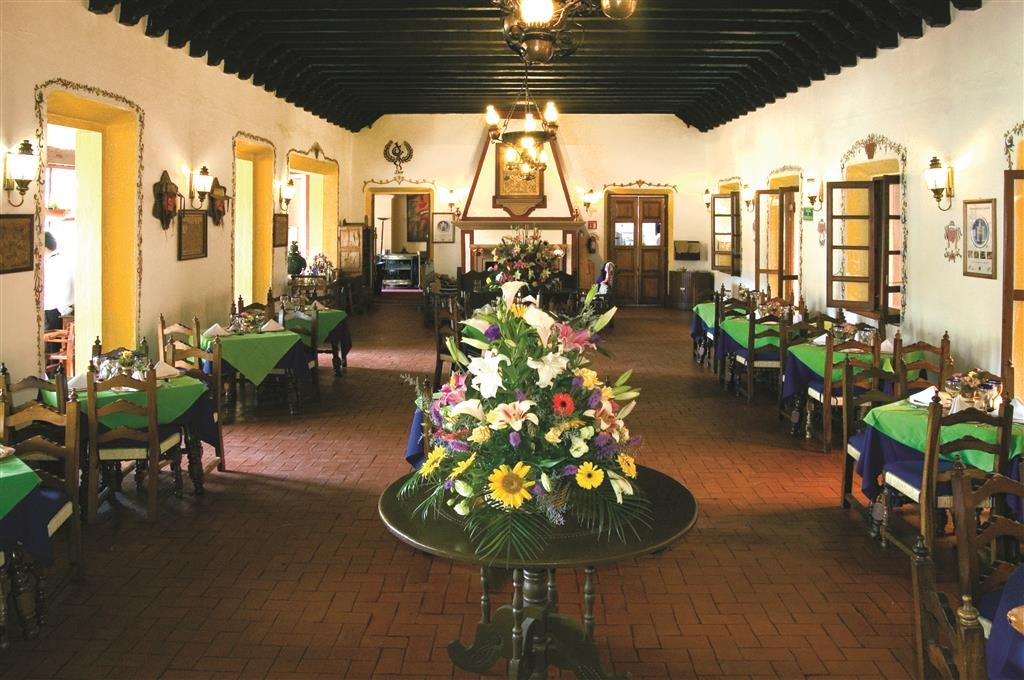 Best Western Plus Posada de Don Vasco - Restaurant El Tarasco specializes in delicious regional and international cuisine where you can treat your palate to the delicious white fish from patzcuaro