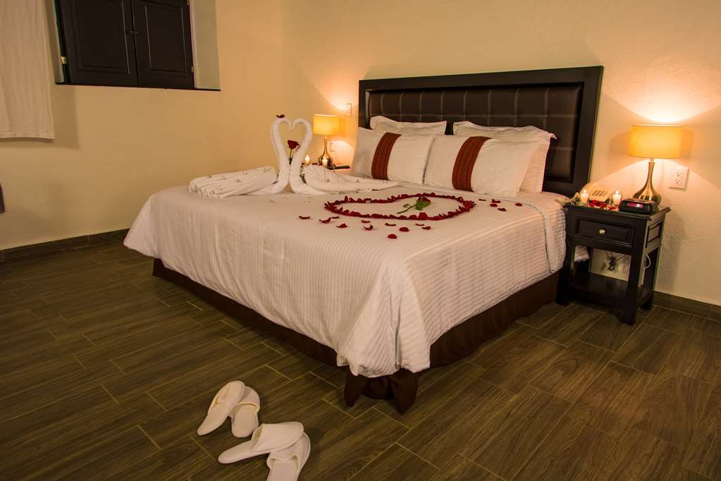 Best Western Plus Posada de Don Vasco - Decoration with extra charge