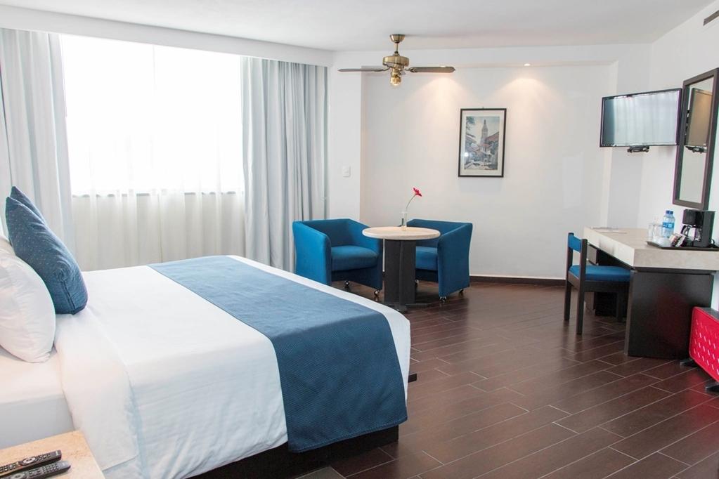 Best Western Plus Puebla - King Bed Guest Room